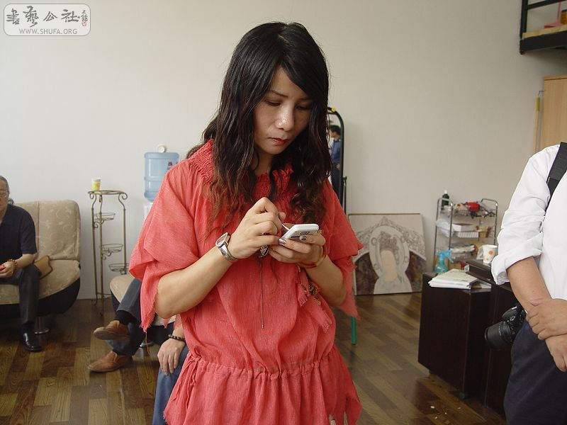 美女艺术家马青原 在宋庄开办个人工作室